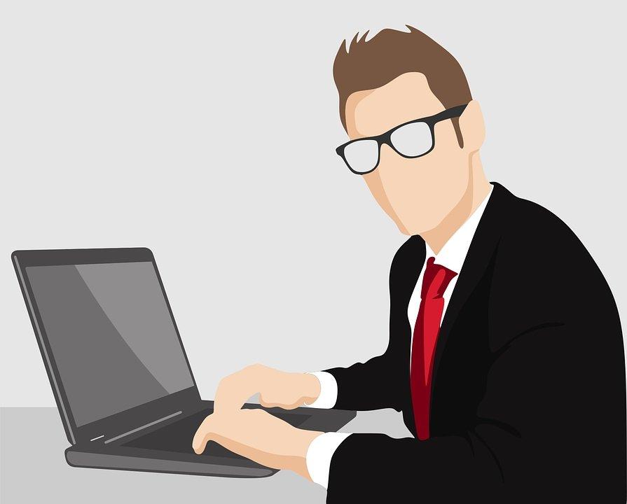 tizio che lavora crowdsourcing